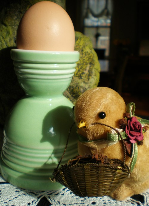 Vintage Green Egg Cup with Velvet Chick
