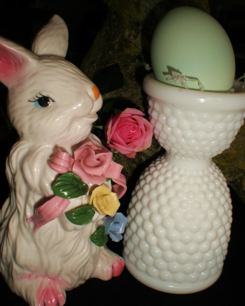 china-bunny-egg-rose-and-milk-glass-egg-cup-v2