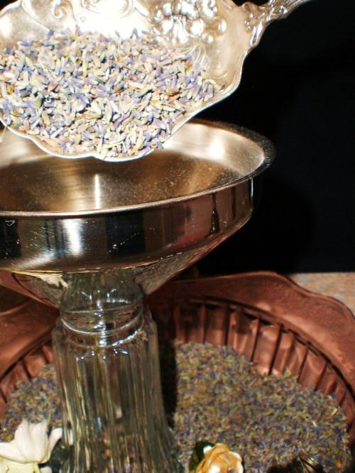 lavendar-filling-shaker1