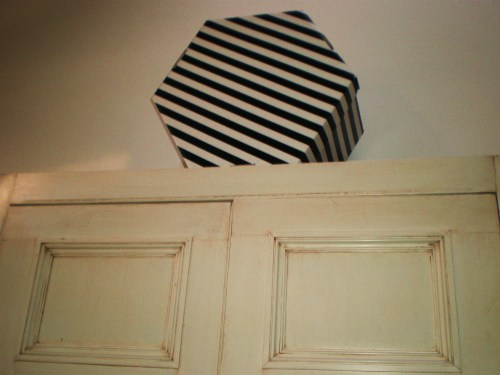 cupboard with hat box FAV