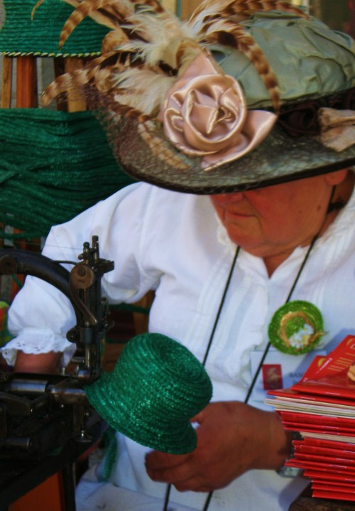 Demo Straw Hatmaking FAV2