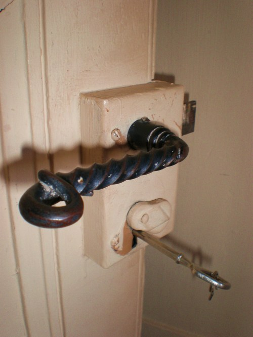 handle and key2
