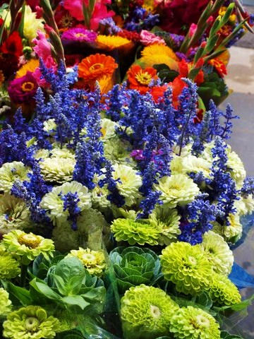 colorful bouquet FAV 1