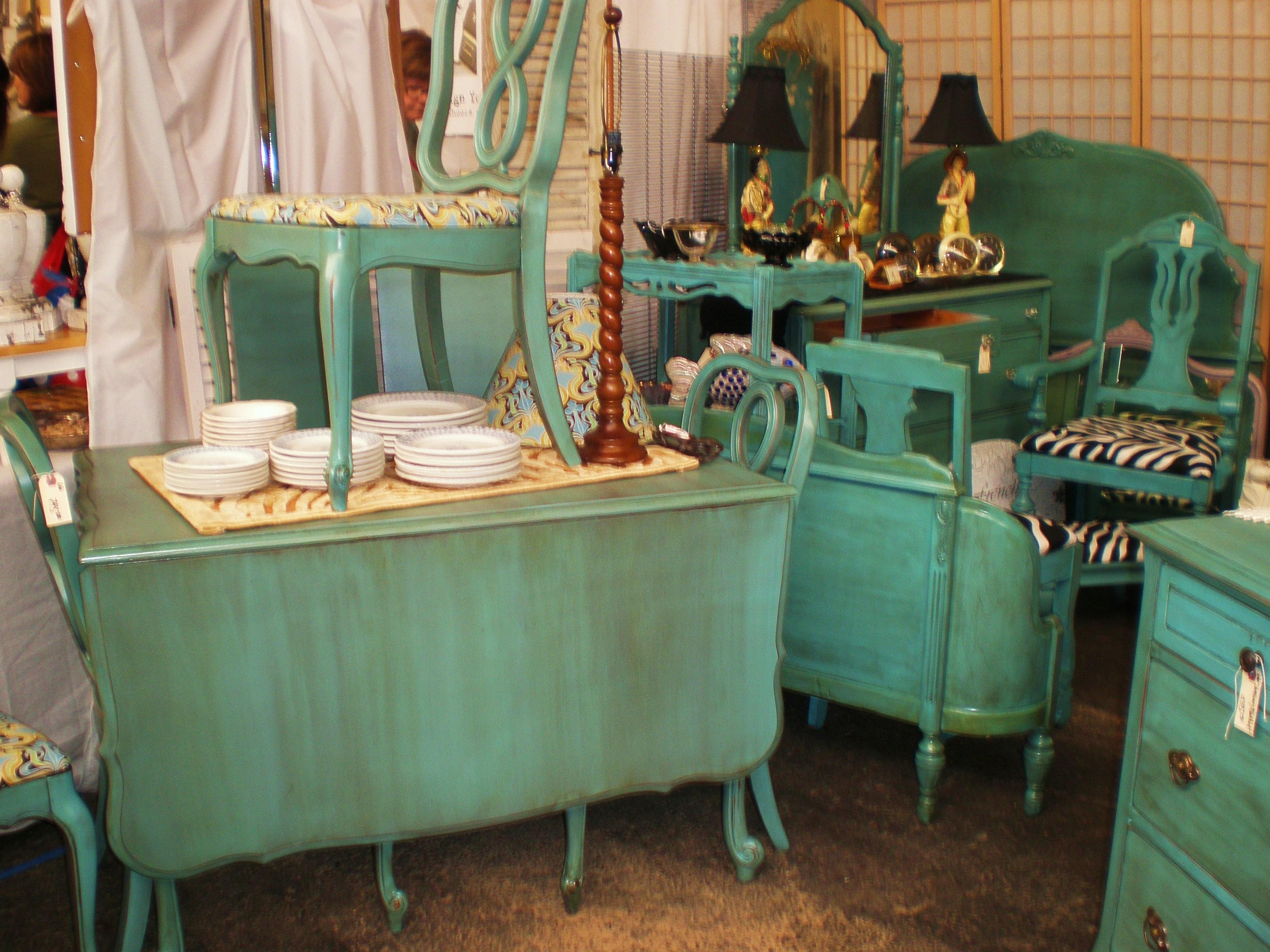 Antique White Glazed Kitchen Cabinets Borrowed Turquoise Turquoise Furniture